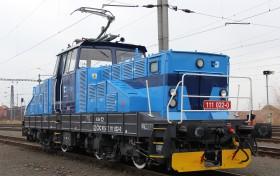 Lokomotiva: 111 022-0